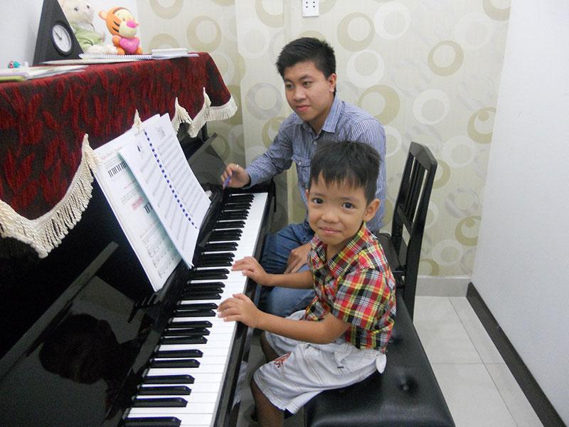 giáo viên dạy đàn piano tốt tphcm