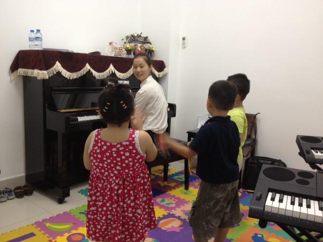 học thử piano