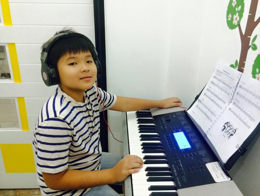 Lớp học đàn organ 01 kèm 01