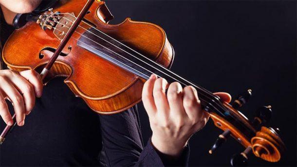 .Nên học đàn Violin hay đàn Piano Nen-hoc-violin-hay-piano-e1499828149545
